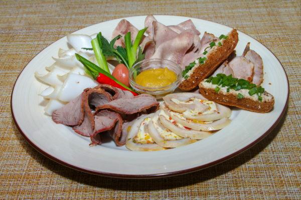 Мясная закуска 325 г